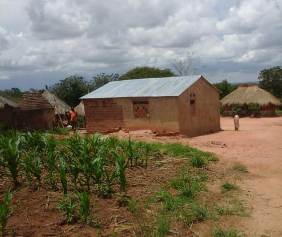 La casa del agricultor Bishop Mweene en Pemba, Zambia. Crédito: Friday Phiri / IPS