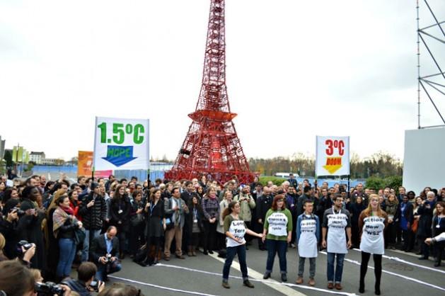 Sanción del Acuerdo de París: El mundo debe buscar un aumento de temperatura inferior a 2 grados centígrados.