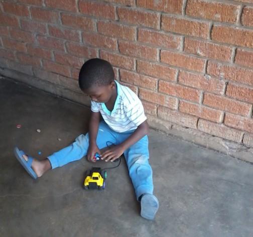 Las deficiencias nutricionales de la población infantil de Zimbabwe expone a niños y niñas a problemas desarrollo intelectual, denuncian agencias humanitarias. Crédito: Ignatius Banda/IPS.