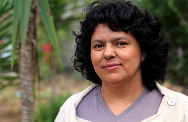 La asesinada defensora de derechos humanos, del ambiente y de los indígenas, la hondureña Berta Cáceres: Crédito: Premio Ambiental Goldman