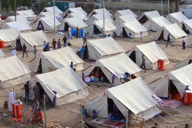 Un campamento de personas desplazadas en Al-Jamea, Bagdad, donde residen 97 familias de la gobernación de Anbar. Crédito: ©UNICEF Iraq/2015/Khuzaie.