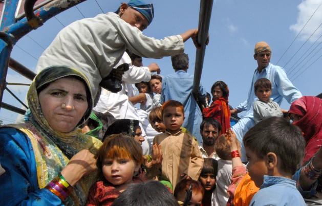Familias desplazadas en el atribulado norte de Pakistán regresan a sus hogares. Crédito: Ashfaq Yusufzai/IPS.