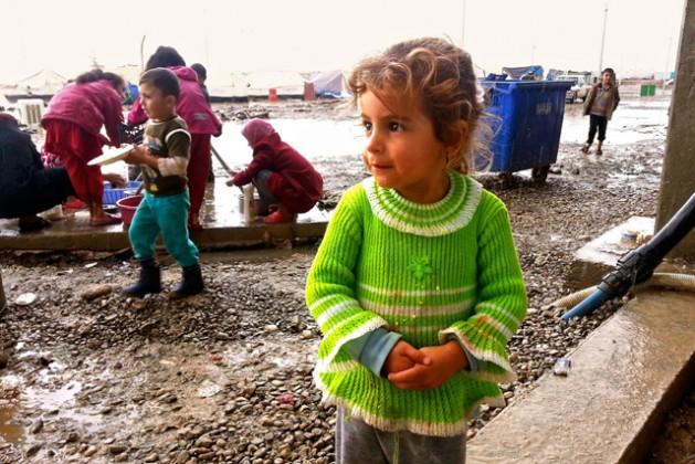 Campamento para personas desplazadas en el norte de Iraq. Entre los temas debatidos en la Cumbre Humanitaria Mundial se destaca cómo el sector humanitario puede proteger mejor a los civiles de la violencia. Crédito: OCHA/Brandon Bateman.