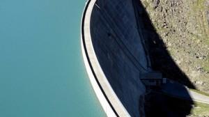 El lago de Gries en el Paso de Nufenen, en Suiza. Crédito: Ray Smith/IPS.