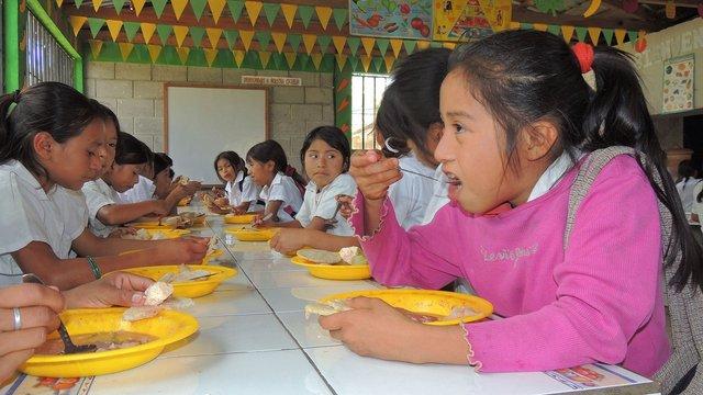 Escolares en un centro educativo. Crédito: Vanessa Baldassare/FAO