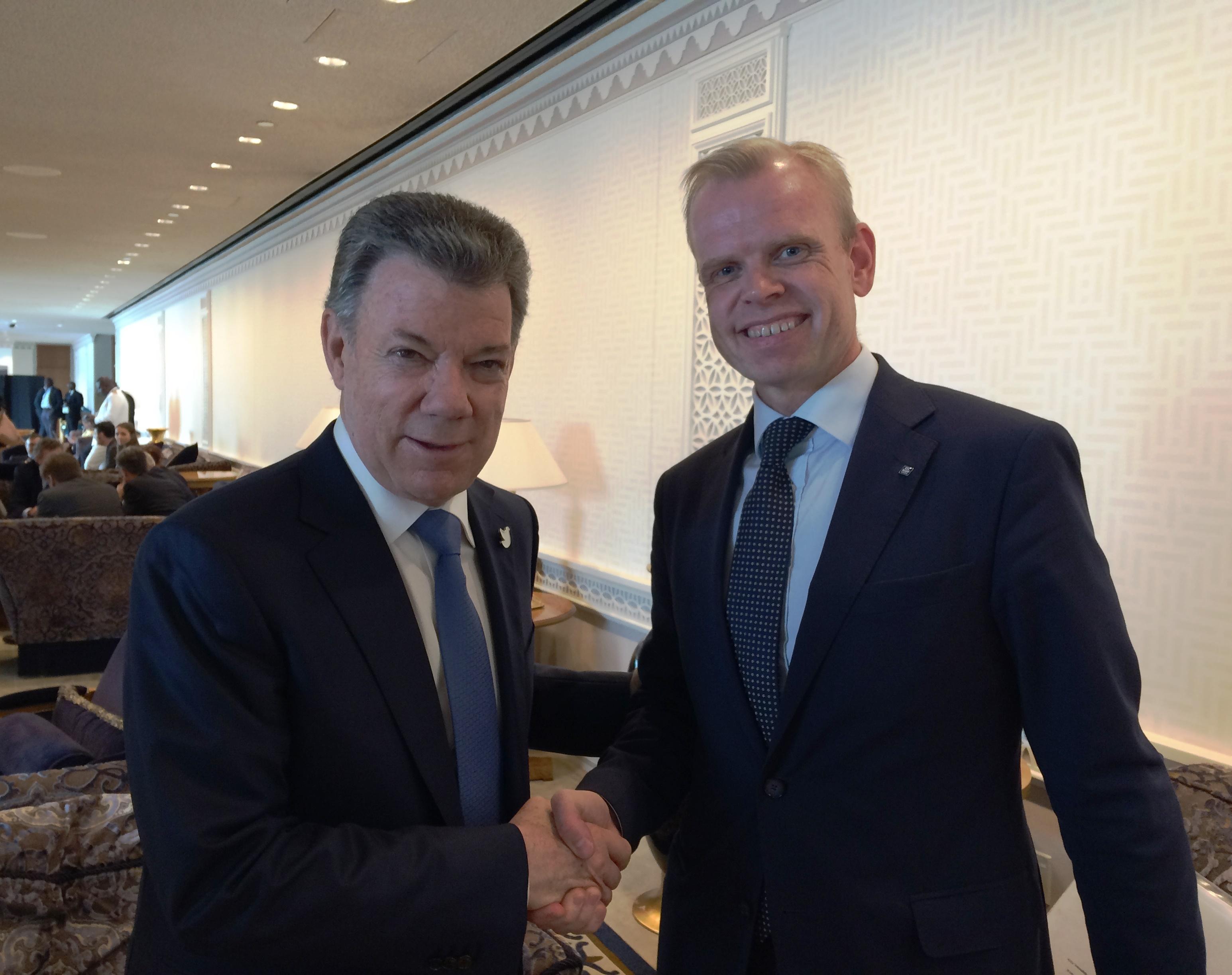 El presidente y director ejecutivo de Yara, Svein Tore Holsether, se reunió con el presidente de Colombia, Juan Manuel Santos, en el marco del Día Internacional de la Paz, en septiembre de 2016. Crédito: Cortesía de Yara International.