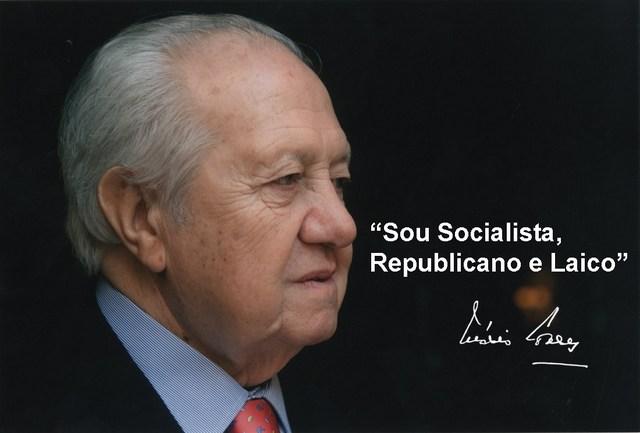 """""""Soy socialista, laico y republicano"""", la autodefinición de Mário Soares, recogida en la foto con que el Partido Socialista de Portugal conmemora la muerte de su líder fundador. Crédito: PS"""