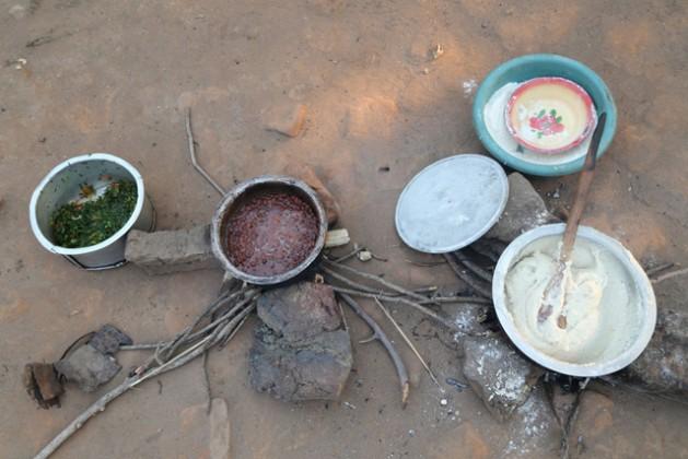 Un plato de frijoles en Suiza cuesta 0.4 por ciento del ingreso diario promedio. En cambio, en Malawi representa 41 por ciento, según un uniforme divulgado por el Programa Mundial de Alimentos en enero de 2017. Crédito PMA África occidental.