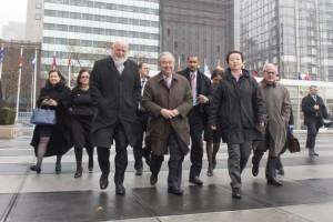 Secretario general de la ONU, Antoónio Guterres (centro) llega a la sede de Nueva York. Crédito: Eskinder Debebe/UN Photo.