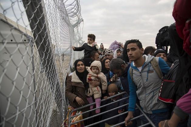 Líderes europeos muestran un populismo que reúne apoyo popular atribuyendo los problemas económicos a la inmigración. Crédito: Nikos Pilos/IPS.