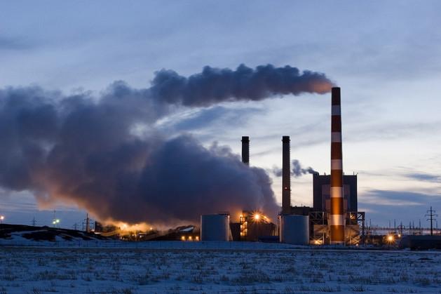 Grupos de presión participan en las conversaciones climáticas de la ONU y niegan el cambio climático, oponiéndose al Acuerdo de París.