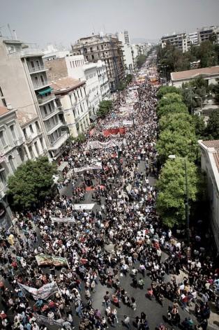 Manifestaciones en Atenas contra las medidas de austeridad del gobierno de Grecia. Crédito: IPS