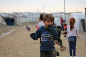 Niña yazidí en el campamento de Janke, cerca de la norteña ciudad de Dohuk, en el Kurdistán iraquí. Crédito: Fernando Burgés.