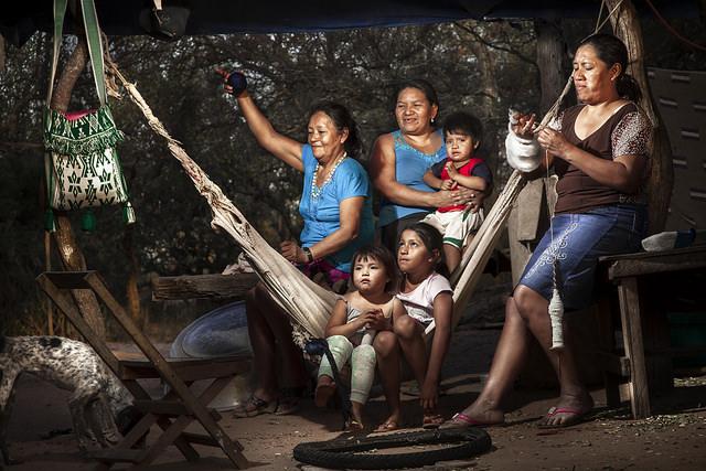 La falta de ingresos propios afecta a 40 por ciento de las mujeres rurales de América Latina, lo que las hace especialmente vulnerables a la subalimentación , tanto a ellas como a sus familias. Crédito: Max Toranzos/FA