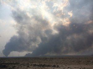 Campos petroleros en llamas en Mosul, Iraq. Crédito: ONU Medio Ambiente.