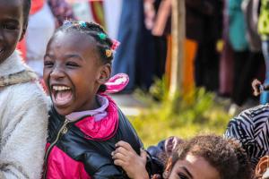 Más de un millón de inmigrantes llegaron a Europa por mar en 2015, y algunas estadísticas estiman que hasta 20 por ciento de ellos podrían ser menores. Crédito: Organización Internacional para las Migraciones/Ingy Mehanna, con aporte de Christine Beshay.Crédito: Organización Internacional para las Migraciones/Ingy Mehanna, con aporte de Christine Beshay.