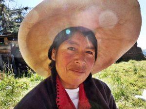 Celestina, de Porcón Alto, una región rural de los Andes peruanos, cuya familia ha vivido en las mismas tierras desde hace generaciones. Crédito: Andrea Vale/IPS.