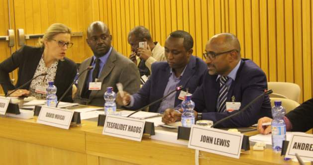 Panel de discusión sobre innovación en agricultura para el clima y seguridad alimentaria en África en la Conferencia Global de Crecimiento Verde, realizada en octubre de 2017 en Adís Abeba, Etiopía. Crédito: Wambi Michael/IPS.