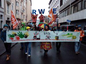El pueblo reclama volcarse a energías limpias y respetar el Acuerdo de París.