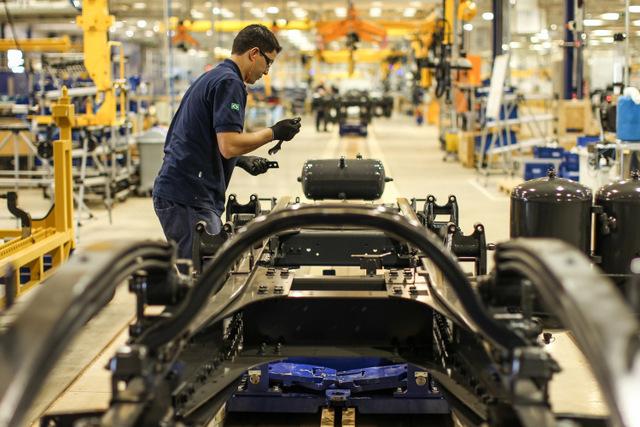 El sector automotriz ha sido uno de los que ha repuntado este año en Brasil, apuntalando la actividad económica positiva en estados como el sureño de Paraná, Crédito: Rodrigo Czekalski/DAF Caminhões