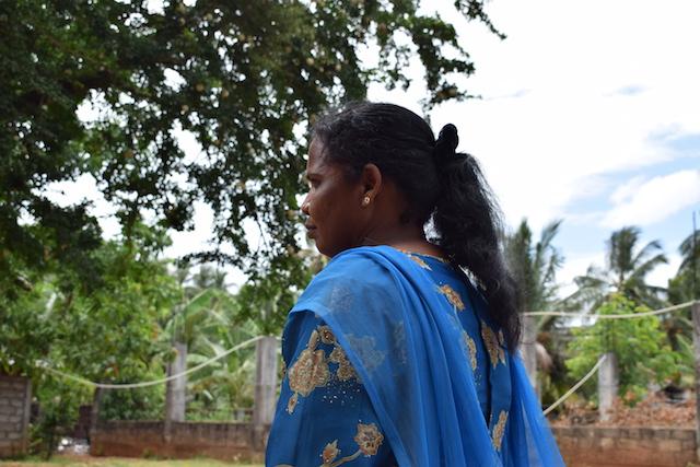 Nathkulasinham Nesemalhar, una viuda de 52 años de la provincia Norte, pasó tres meses en Omán engañada por unos estafadores. Crédito: Nathkulasinham Nesemalhar.