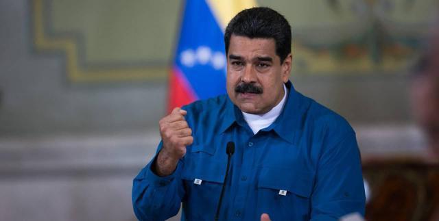 El presidente Nicolás Maduro el lunes 26 de febrero, durante un acto con el buró del Partido Comunista de Venezuela, uno de sus aliados en la anticipada contienda electoral, en que la alianza opositora ha anunciado que no participará, salvo que varíen las condiciones. Crédito: AVN
