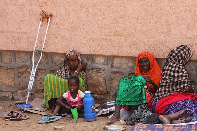 Desplazados somalíes en un campamento a las afueras de la ciudad de Dire Dawa, en el este de Etiopía. Crédito: James Jeffrey/IPS.