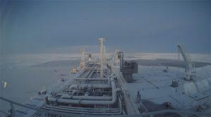 Captura de IPS de un video con imágenes del buque carguero Eduard Toll, de la compañía noruega Teekay, atravesando el océano Ártico. Crédito: Teekay