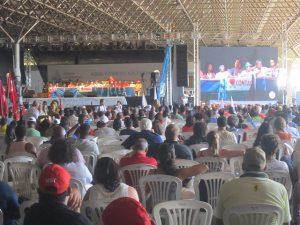 Reunión plenaria del Foro Alternativo Mundial del Agua, que sesionó en la capital de Brasil, entre el 17 y el 22 de marzo, como actividad paralela al Foro Mundial del Agua, con la presencia de 3.000 participantes de 34 países. Crédito: Mario Osava/IPS
