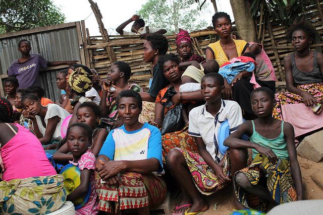 Mujeres desplazadas en Simba Mosala, en Kikwit, República Democrática del Congo. Crédito: Badylon Kawanda Bakiman/IPS