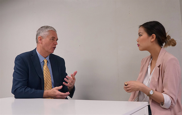 Sinsiri Tiwutanond entrevista al director general del Instituto Global de Crecimiento Verde (GGGI), Frank Rijsberman, en Bangkok. Crédit: Sinsiri Tiwutanond/IPS.