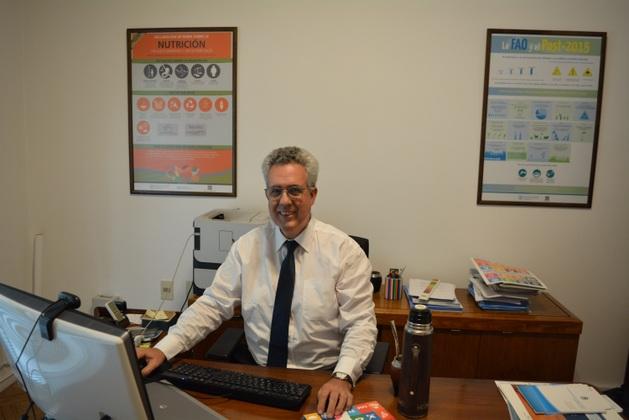 Vicente Plata, oficial a cargo de la Representación de la FAO en Uruguay. Crédito: Marina González/FAO
