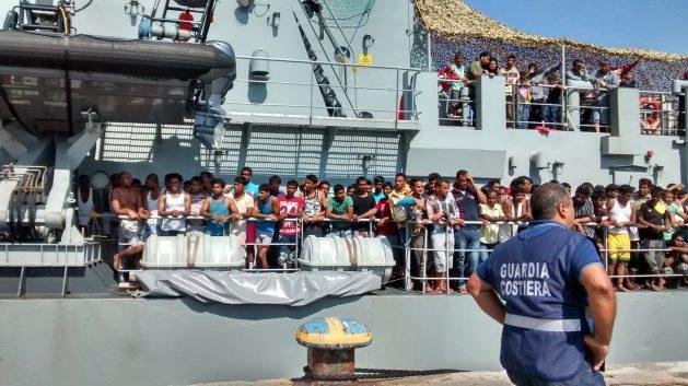 Según la Agencia de las Naciones Unidas para los Refugiados, unas 42,000 personas llegaron a Europa hasta el 30 de junio de este año. El número de migrantes se redujo en comparación con años anteriores. Crédito: Cortesía Laura Verduci/Médicos sin Fronteras.