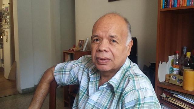 """El venezolano Fernando García, de 60 años, cabeza de un grupo familiar que ha migrado en bloque a Perú, desde una localidad cercana a Caracas, con la decisión de """"volver a comenzar como familia"""", después de una vida de trabajo. Crédito: Humberto Márquez/IPS"""