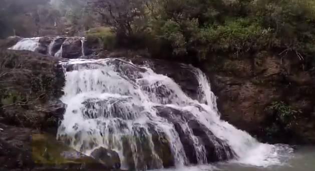 Ya hace varios años que con el esfuerzo de la comunidad, los habitantes de La Joya, una región de El Salvador, tienen electricidad gracias a la construcción de una pequeña planta hidroeléctrica que se alimenta del causal del Río El Calambre.