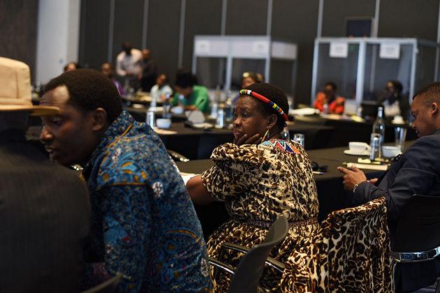 Líderes tradicionales de 17 países africanos se han reunido en Nairobi, la capital de Kenia, para debatir sobre cómo erradicar prácticas perjudiciales como el matrimonio infantil y la mutilación genital femenina. Crédito: Faith Bwibo/ONU Mujeres