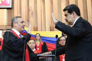 Nicolás Maduro juró para un segundo período como presidente de Venezuela y en cadena de radio y TV criticó a los gobiernos americanos y europeos que lo consideran ilegítimo y piden una nueva elección. Crédito foto: Ministerio de Comunicación e Información