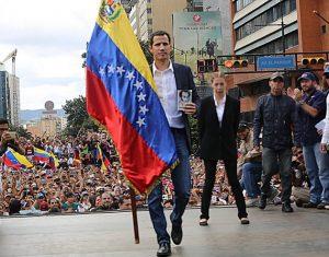 El diputado Juan Guaidó, del partido Voluntad Popular y presidente de la Asamblea Nacional desde el 5 de enero, juró el día 23 ante una multitud como presidente interino de Venezuela. Crédito: Asamblea Nacional