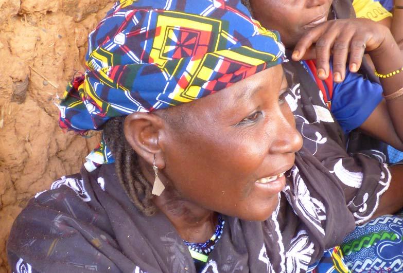 """Hadijatou Mani fue liberada este año de su condición de esclavitud como """"quinta esposa"""" de un anciano musulmán de Níger, que la """"adquirió"""" por un puñado de dinero para ser sirvienta y esclava sexual. Crédito: Anti-Slavery International"""