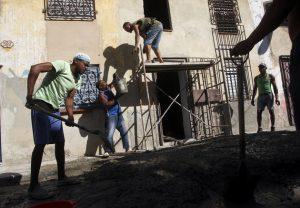 El Comité Ejecutivo del Consejo de Ministros de Cuba aprobó dos nuevas normas que entrarán en vigor el 27 de mayo, con el objetivo de flexibilizar la transferencia de la propiedad de ocupantes de viviendas estatales declarados arrendatarios y usufructuarios. Crédito: Jorge Luis Baños/IPS