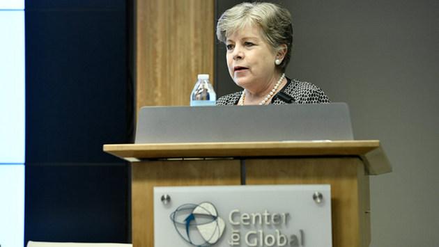 Alicia Bárcena, secretaria ejecutiva de la Cepal, durante la presentación del informe sobre la Situación Fiscal de América Latina y el Caribe 2019, en el Centro para el Desarrollo Global, en Washington. Crédito: Sardari Group Inc/ Cortesía del CGD