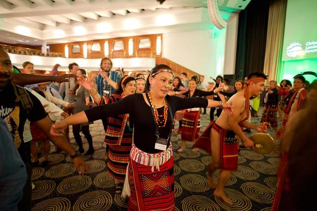 El Foro Global de Paisajes 2019, celebrado en la ciudad alemana de Bonn, se centró en cómo dar a los derechos sobre la tierra la visibilidad necesaria para demostrar que un enfoque basado en los derechos, en particular los de los pueblos indígenas, aporta soluciones a la crisis del cambio climático. Crédito: Pilar Valbuena/GLF