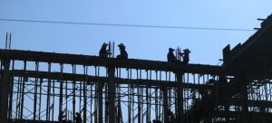 Trabajadores de la construcción en una obra en Binh Thuan, en Vietnam. Crédito: Nguyen Viet Thanh/OIT