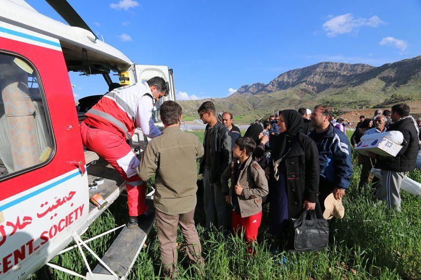 El Consejo Noruego para los Refugiados y la Sociedad de la Media Luna Roja Iraní (IRCS) alertaron que las sanciones estadounidenses contra Irán están paralizando asistencia clave a las víctimas de las inundaciones y a los refugiados en el país. Crédito: Cortesía de IRCS