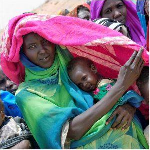 El alcance de los objetivos uno y dos de la Agenda 2030 para el Desarrollo Sostenible, de erradicar la pobreza extrema y el hambre en el mundo, se aleja. Crédito: ONU