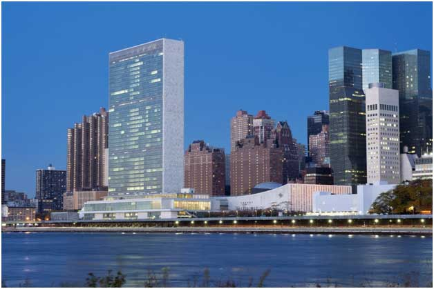 La sede en Nueva York de las Naciones Unidas, que vivirá una semana decisiva de cumbres y diálogos de alto nivel a partir del 23 de septiembre. Crédito: ONU