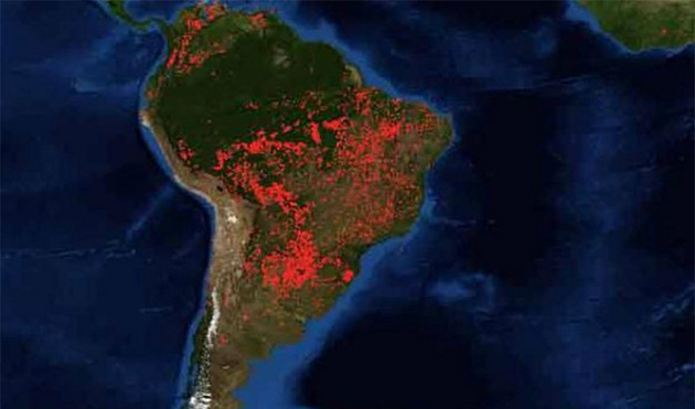 Imagen de América del Sur donde resaltan los incendios de la Amazonia, captados por un satélite de la Nasa, que se especializa en el seguimiento de los fuegos en el planeta desde el espacio: Crédito: Nasa
