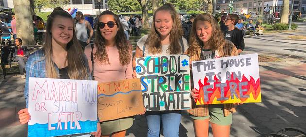 Miles de jóvenes se manifestaron el viernes 20 por todo el mundo, para demandar que los gobiernos y las instituciones internacionales y nacionales atiendan la emergencia climática. Crédito: Unicef