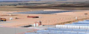 Central de energía solar de ciclo combinado de Ain Beni Mathar, en Marruecos. Crédito: Dana Smillie/Banco Mundial