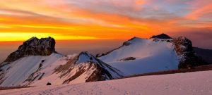 El amanecer visto a 5000 metros de altura en la montaña Iztaccihualt en México. Crédito: Miguel Ángel Trejo/MM